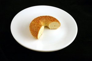 70 grams of a sesame seed bagel